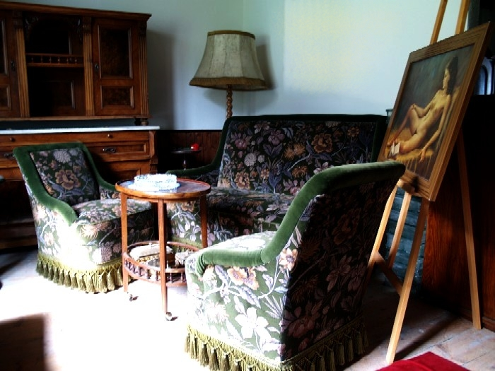 secondhand moebel sofagarnitur jugendstil saniert mit sofa und stuhlsecondhand moebel. Black Bedroom Furniture Sets. Home Design Ideas